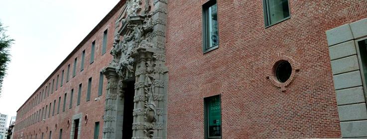 800px-Cuartel_del_Conde-Duque_(Madrid)_05