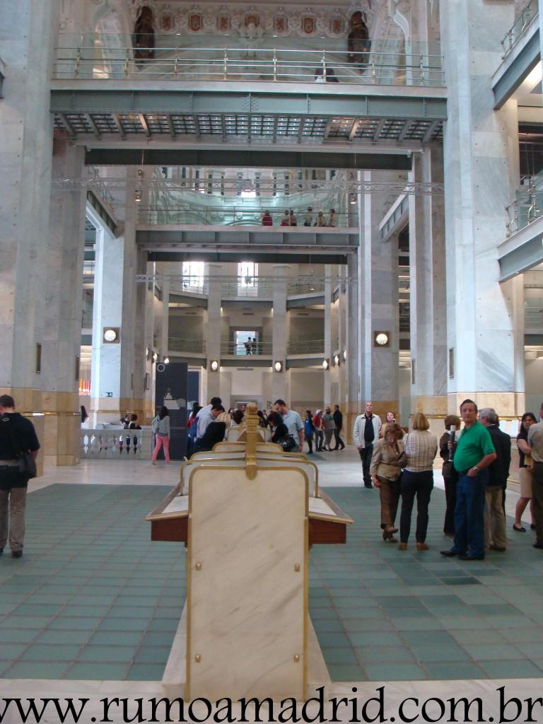 Interior Palácio das Telecomunicações lugares indispensaveis visitar madrid curiosidades madrid o que fazer em madrid