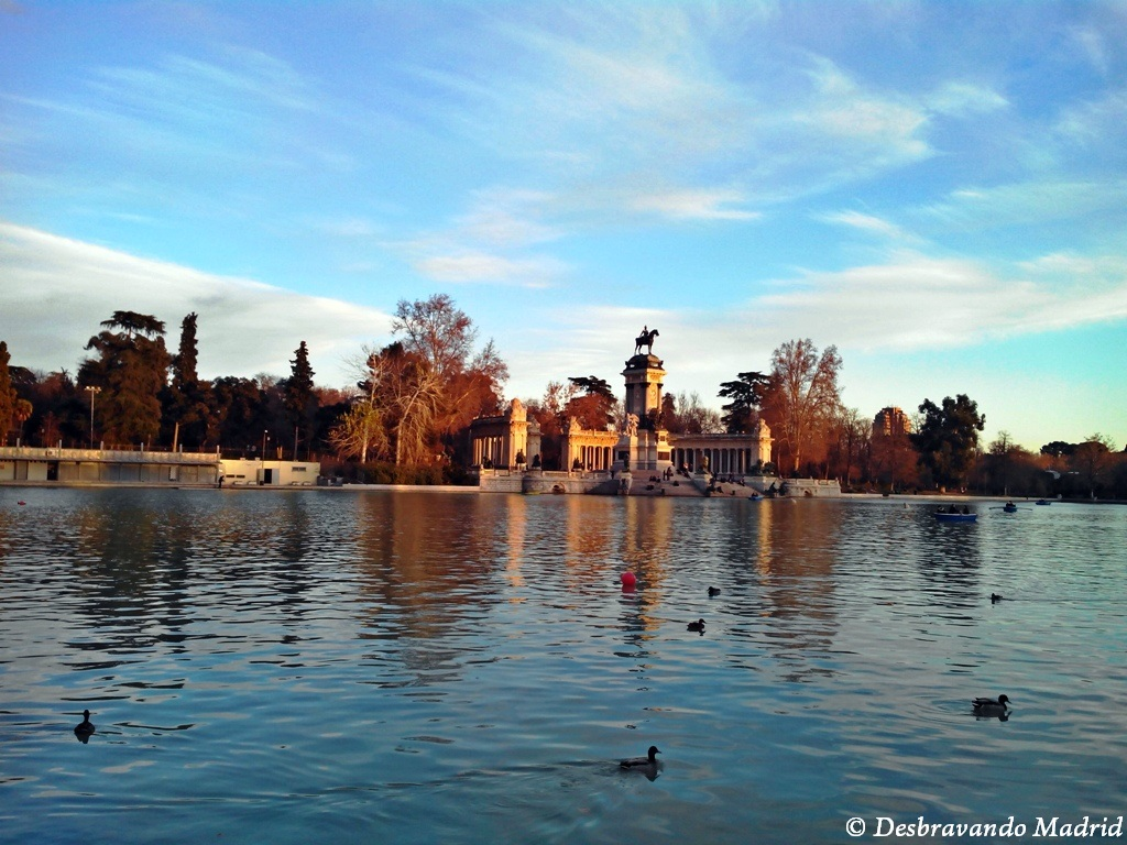 parque retiro estanque curiosidades madrid visitar madrid