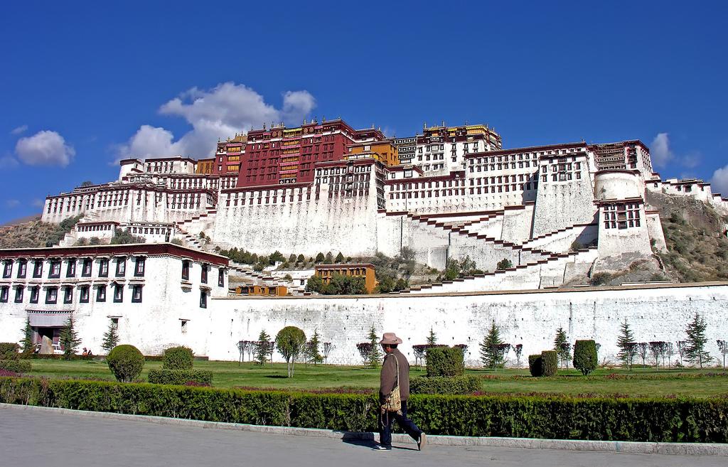 Palácio Potala lhasa tibete china 50 cidades para ver antes de morrer curiosidades