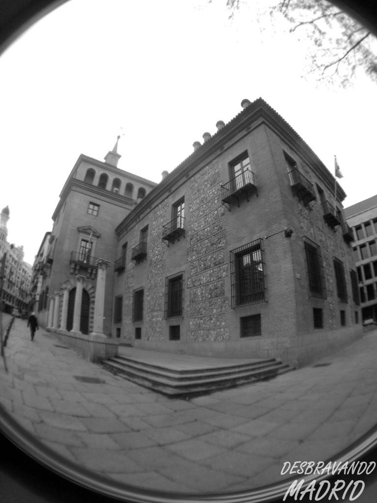Casa das 7 Chaminés, casa sete chamines, lendas madrid, fantasmas madrid, o que ver em madrid, visitar madrid, madrid curiosidades