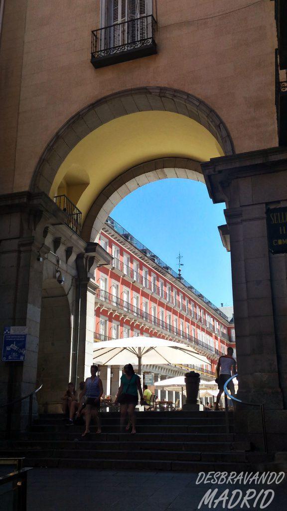calle-felipe-iii-plaza-mayor