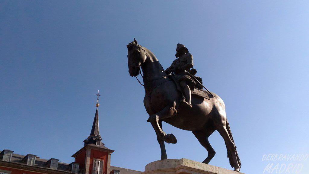 plaza-mayor-estatua-filipe-iii