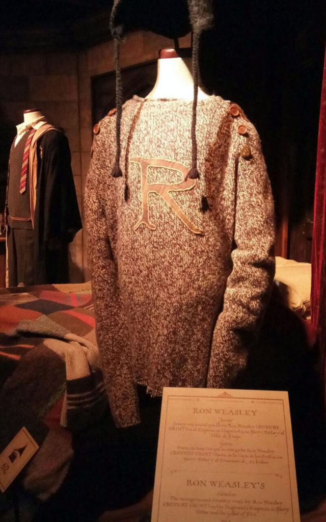 roupa do ron na exposiçao harry potter