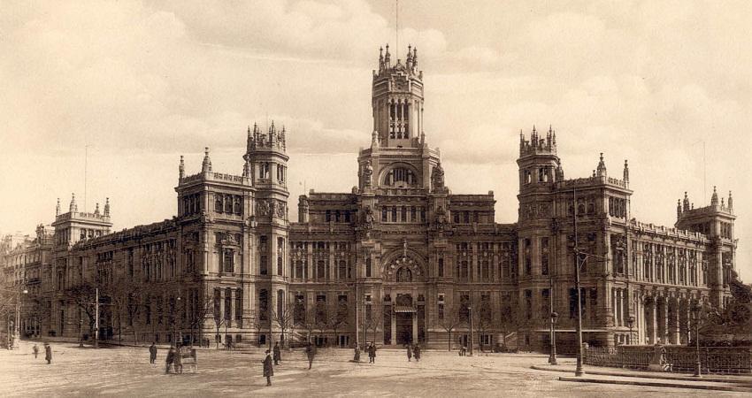 foto antiga do palacio de comunicaciones