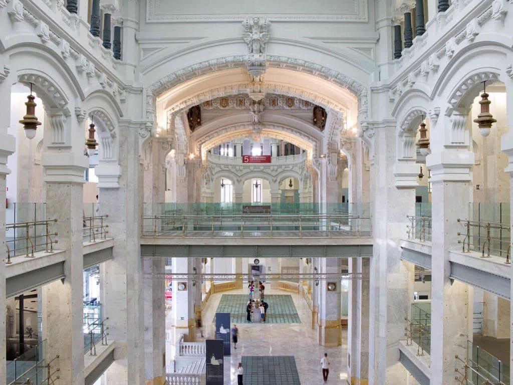 interior do palacio de comunicaciones