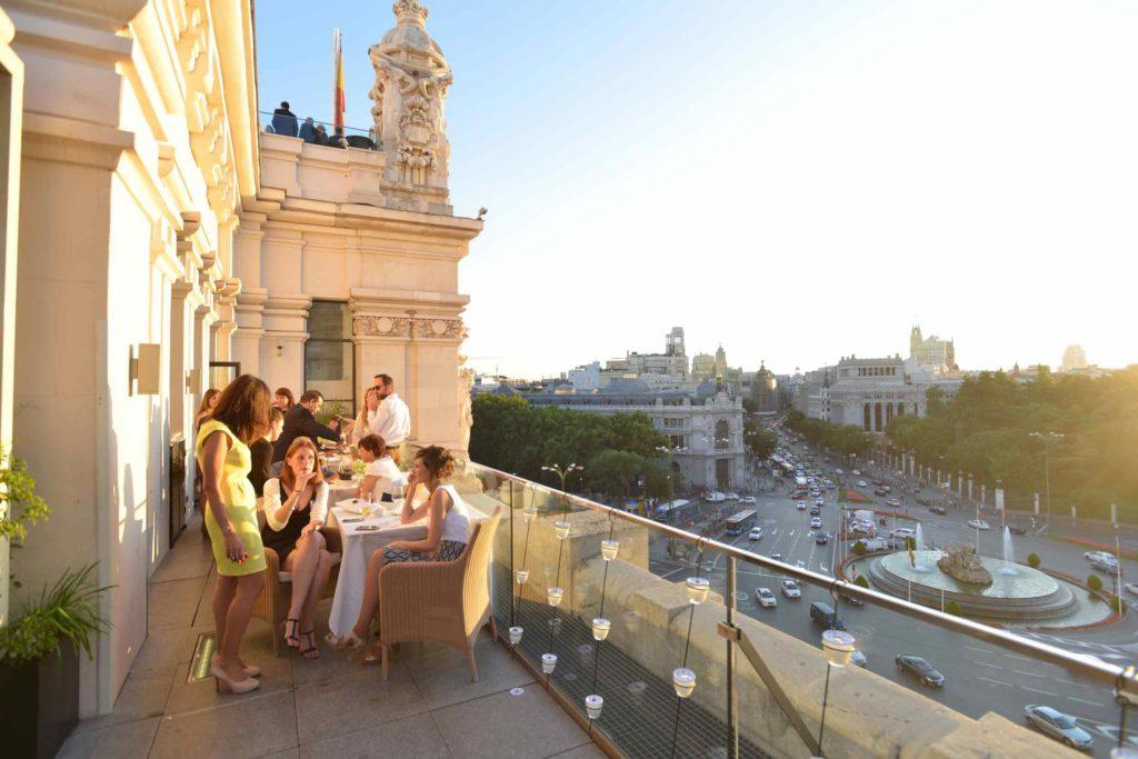 esplanada do restaurante palacio de cibeles